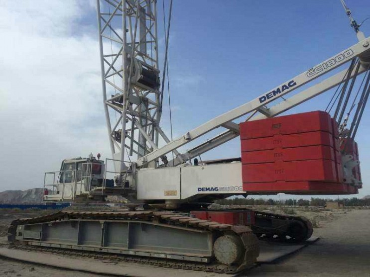1999 Demag CC1800 300 Ton Crawler Crane